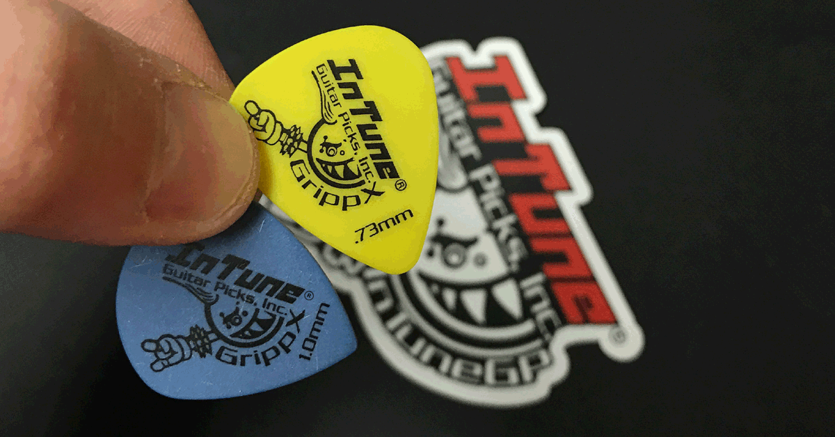 Win 100 Custom Guitar Picks
